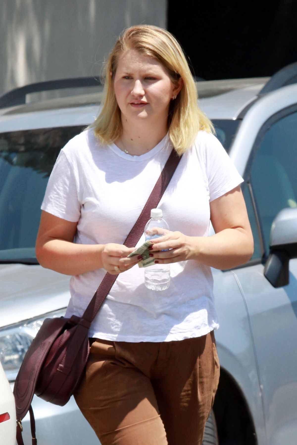 JILLIAN BELL Leaves Joan