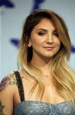 JULIA MICHAELS at 2017 MTV Video Music Awards in Los Angeles 08/27/2017