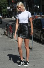 KARLIE KLOSS Out for Lunch in New York 08/25/2017