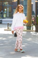 KAT GRAHAM Out for Lunch in Beverly Hills 08/29/2017