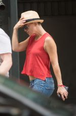 KATE HUDSON on the Set of Sister Movie in Los Angeles 08/02/2017