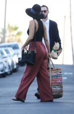KATE HUDSON Out and About in Los Angeles 08/12/2017