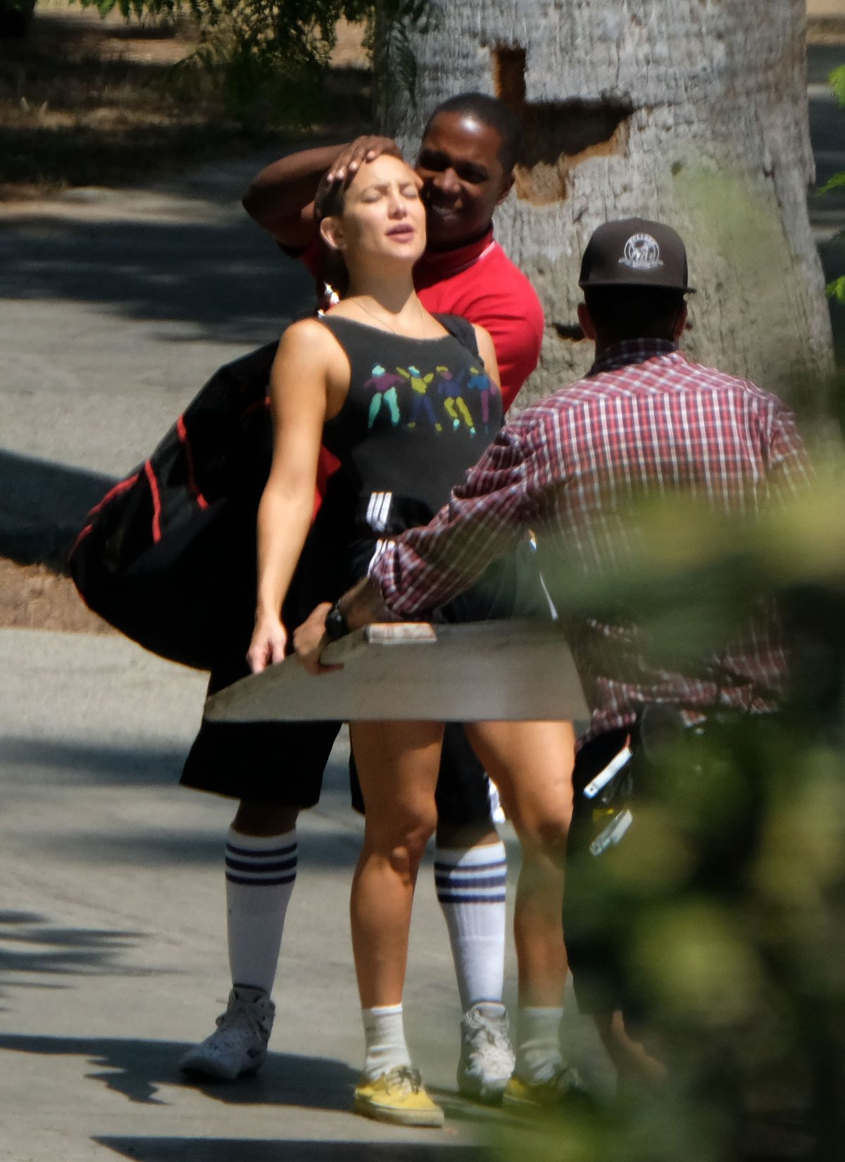 Kate Hudson Shows Haircut On The Set Sister In Los Angeles 0821