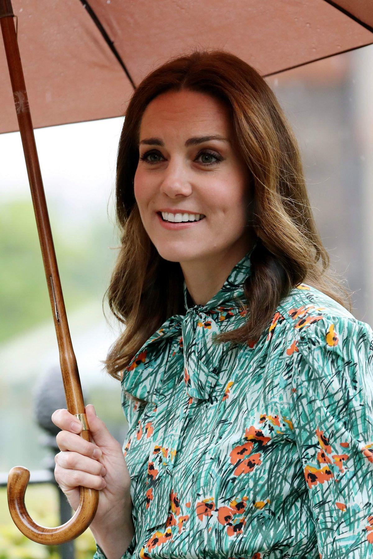 KATE MIDDLETON at Sunken Garden at Kensington Palace in