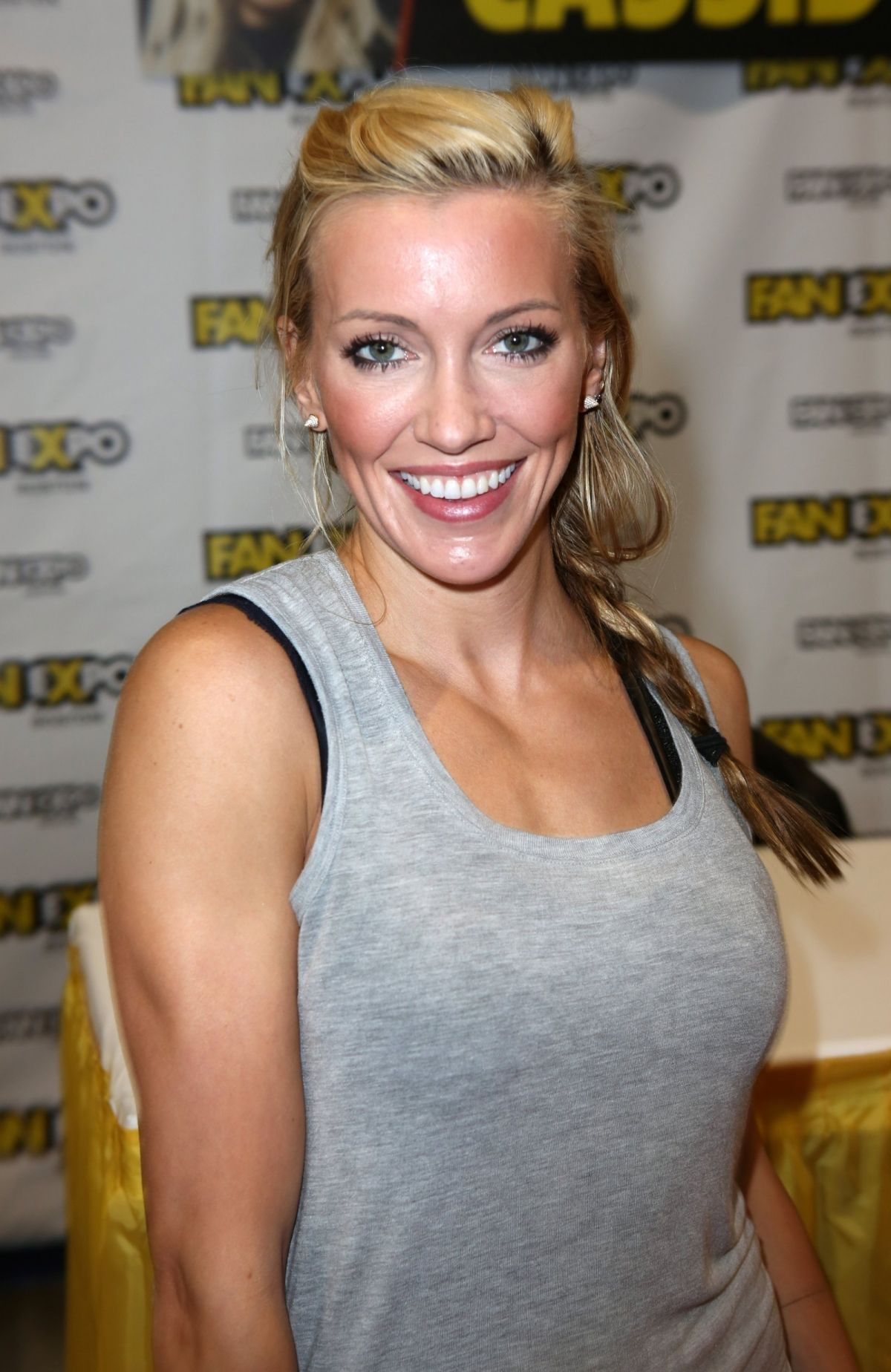 KATIE CASSIDY at Comic-con in Boston 08/13/2017