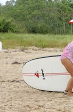 KATIE LEE Paddle Boards in Hamptons Paddle for Pink Event in Sag Harbor 08/05/2017