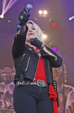 KIM WILDE Performs at Rewind North at Capesthorne Hall in Siddington 08/05/2017