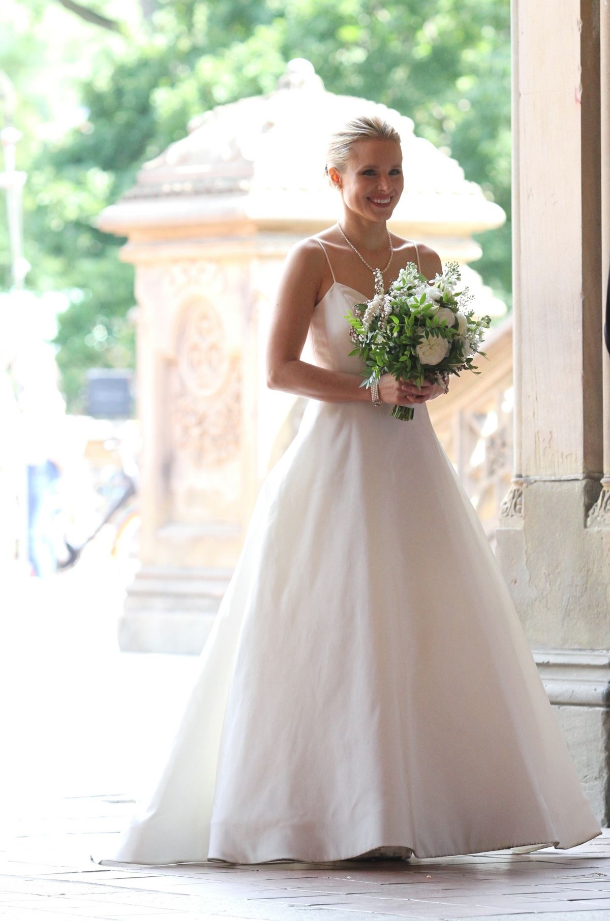 KRISTEN BELL In Wedding Dress On The Set Of Like Father New York 08