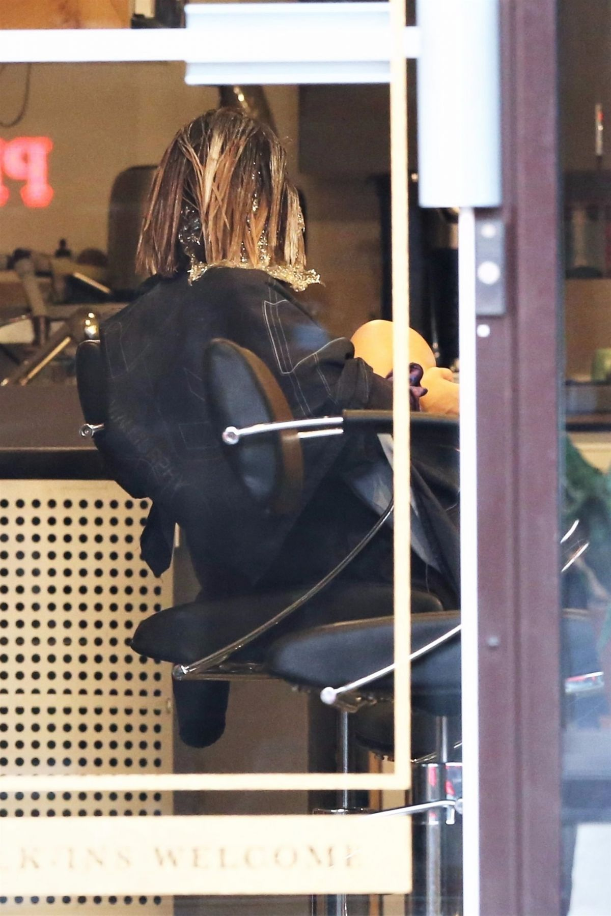 Lucy hale at a hair salon in vancouver 08 03 2017 for A salon vancouver