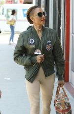 MELANIE BROWN Shopping at For the Stars Fashion House in West Hollywood 08/14/2017