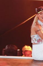 MICHELLE HUNZIKER at Das Grosse Sommer-hit-Festival at Timmendorfer Strand 08/24/2017