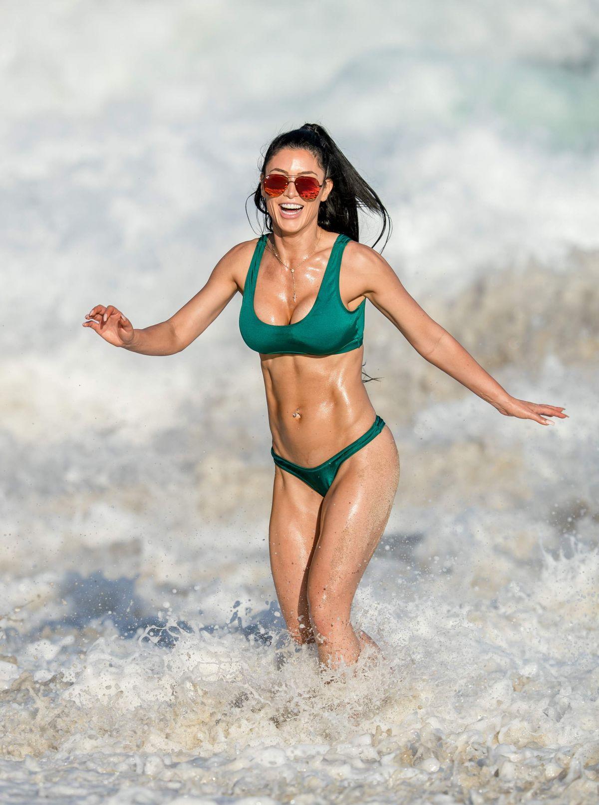 Paparazzi Isabeli Fontana nude photos 2019
