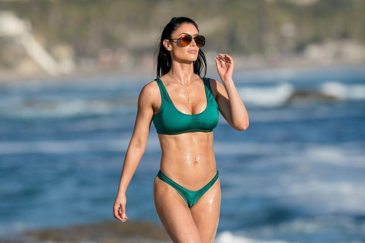 Eva marie bikini shoot behind the scenes 4