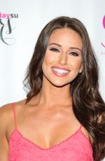NIA SANCHEZ at SU Magazine