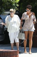 NICOLE MURPHY Out for Lunch in Beverly Hills 08/10/2017