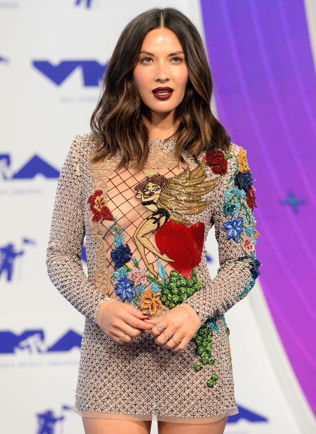 OLIVIA MUNN at 2017 MTV Video Music Awards in Los Angeles 08/27/2017