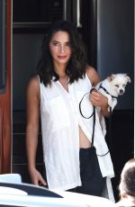 OLIVIA MUNN Takes Her Dogs for a Walk in Vancouver 08/18/2017