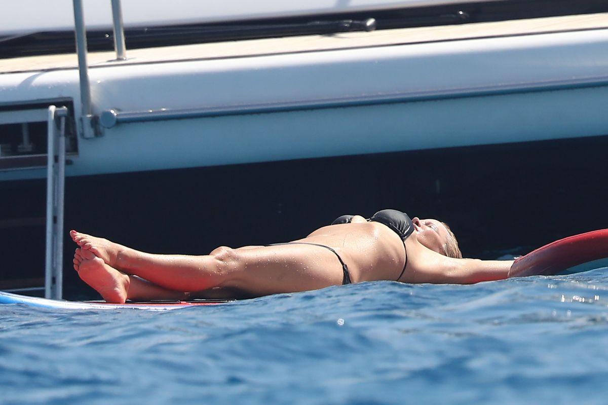 Bikinis french riviera