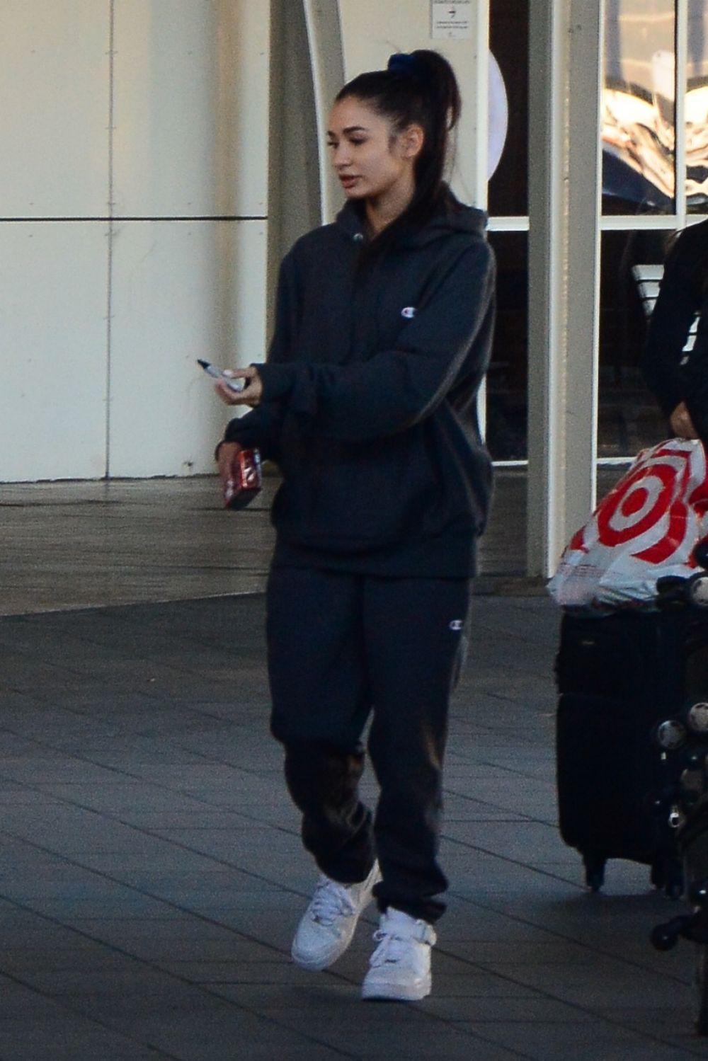 PIA MIA PEREZ Arrives at Airport in Sydney 08/09/2017