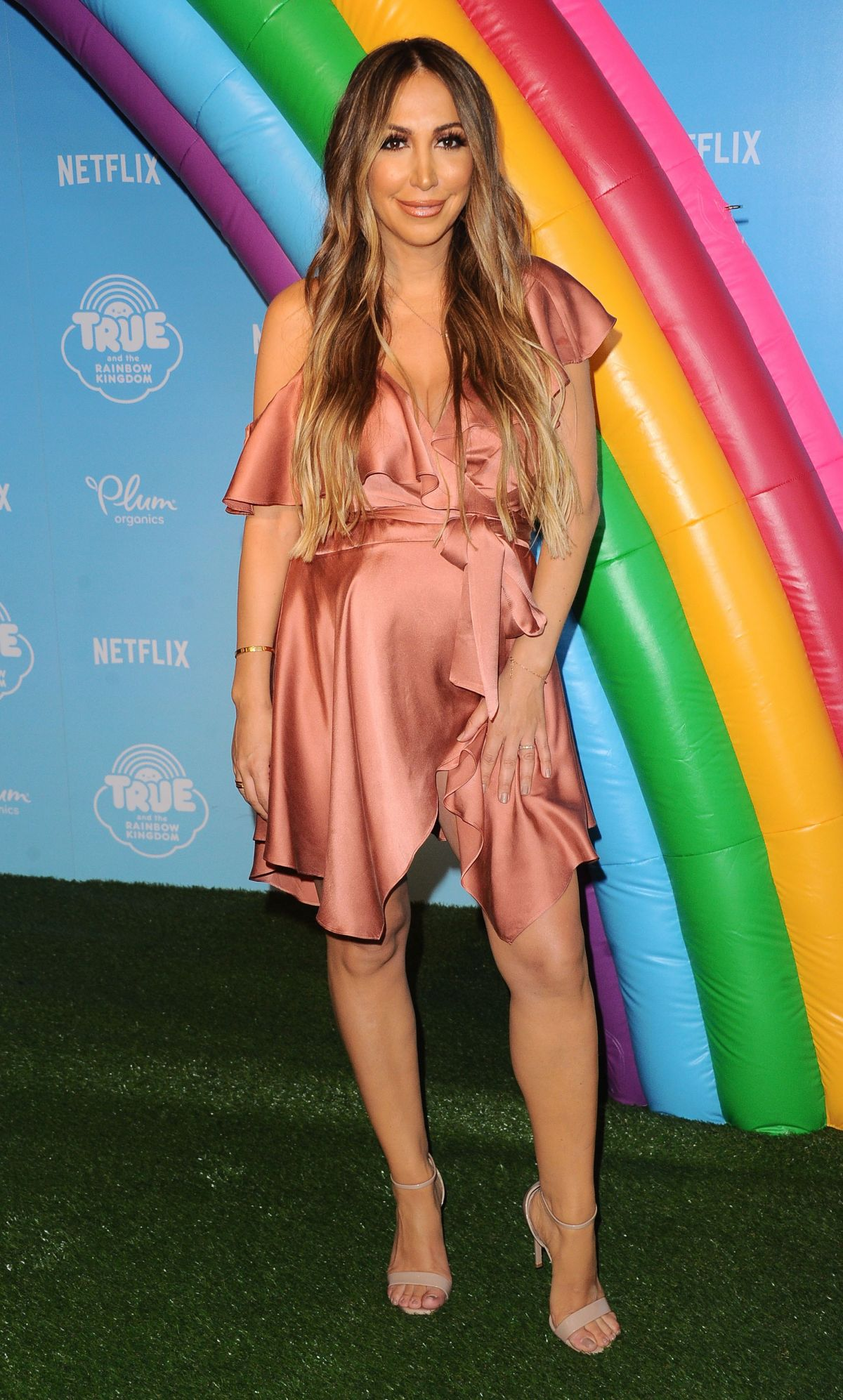 pregnant diana madison at true and the rainbow kingdom premiere in