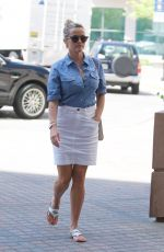 REESE WITHERSPOON Heading for a Doctor