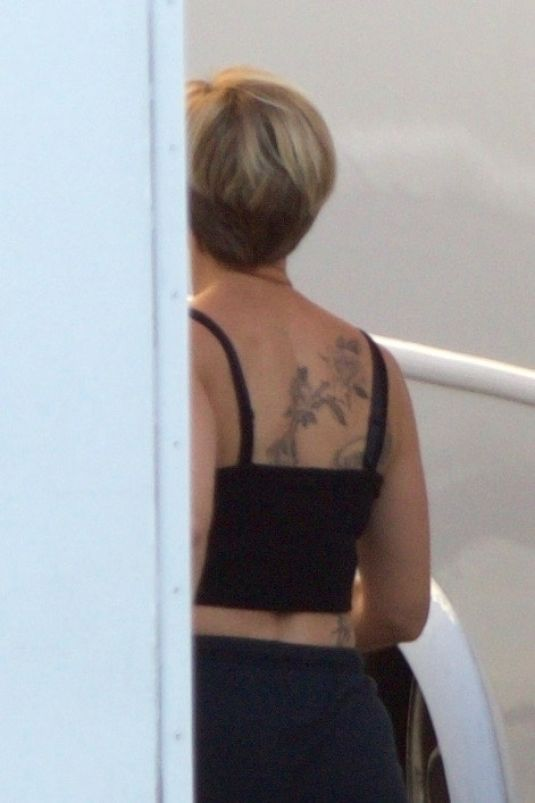 SCARLETT JOHANSSON Shows a New Tattoo on the Set of Avengers 4 in Atlanta 08/21/2017