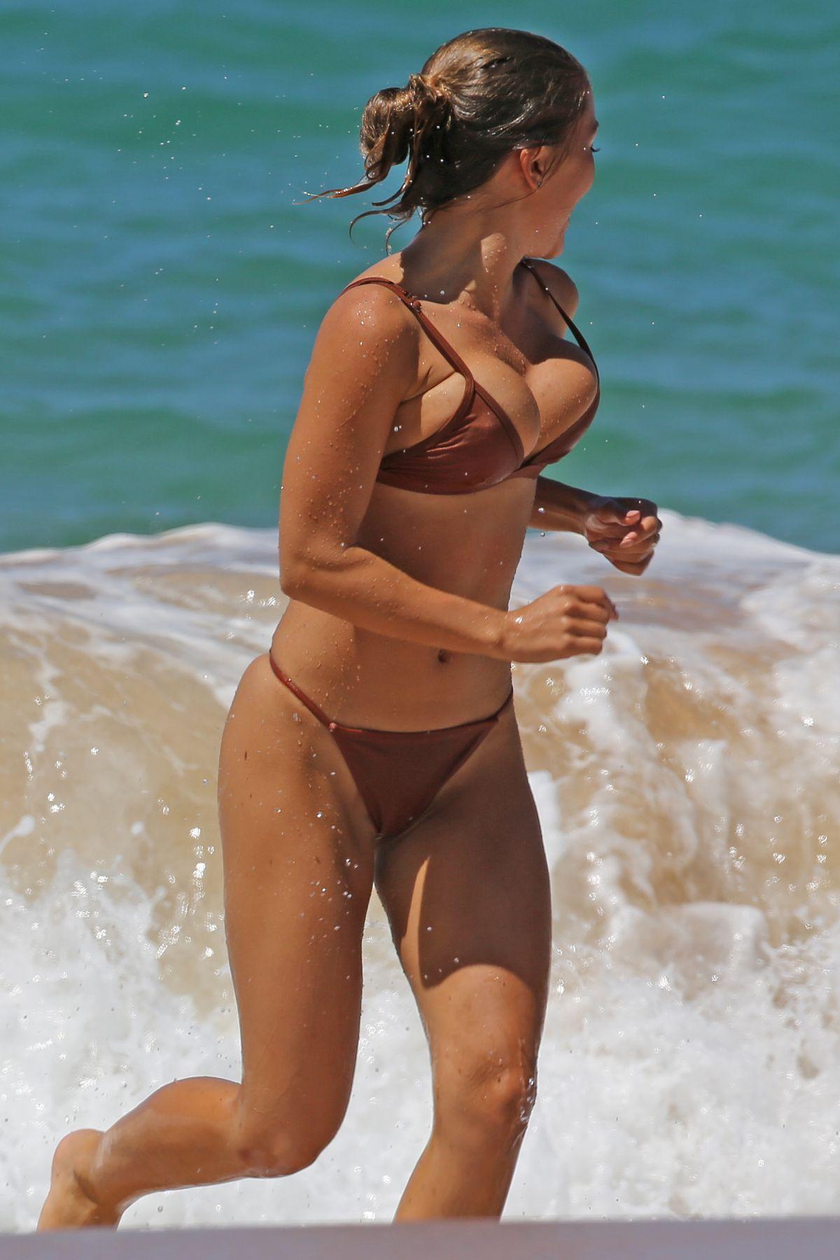 Fappening Brooklyn Decker nude (88 photo), Ass, Is a cute, Boobs, swimsuit 2006