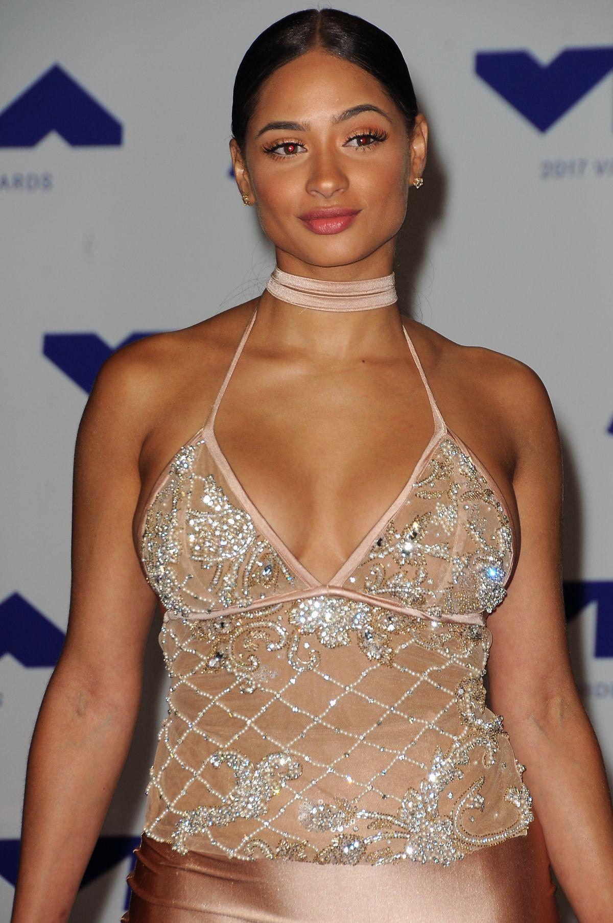 TORI BRIXX at 2017 MTV Video Music Awards in Los Angeles 08/27/2017