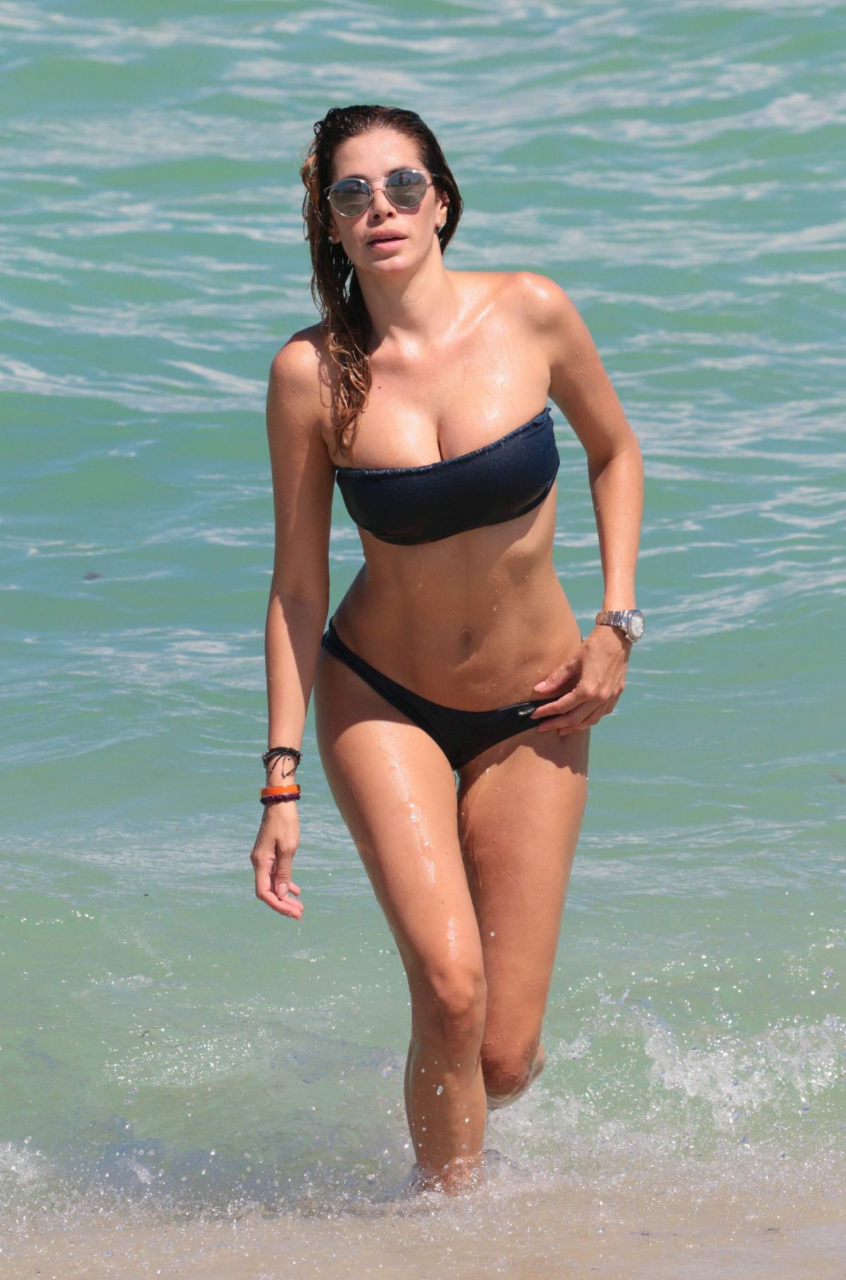 Aida Yespica Looking Busty On A Beach. 2018-2019 celebrityes photos leaks!