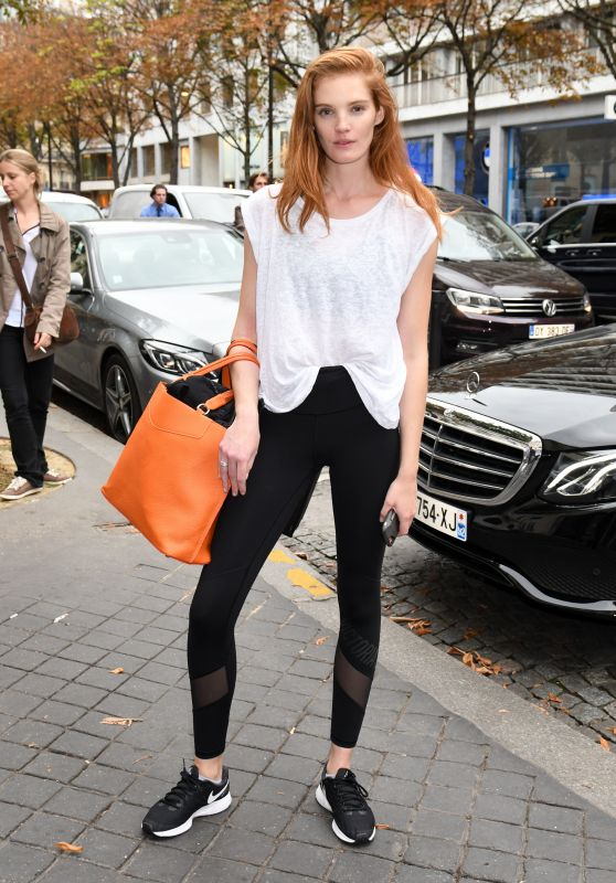 ALEXINA GRAHAM Arrives at Her Hotel in Paris 09/25/2017