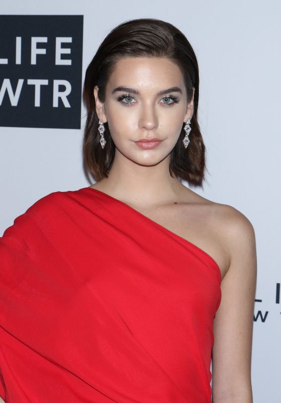 AMANDA STEELE at Daily Front Row Fashion Awards in New York 09/08/2017