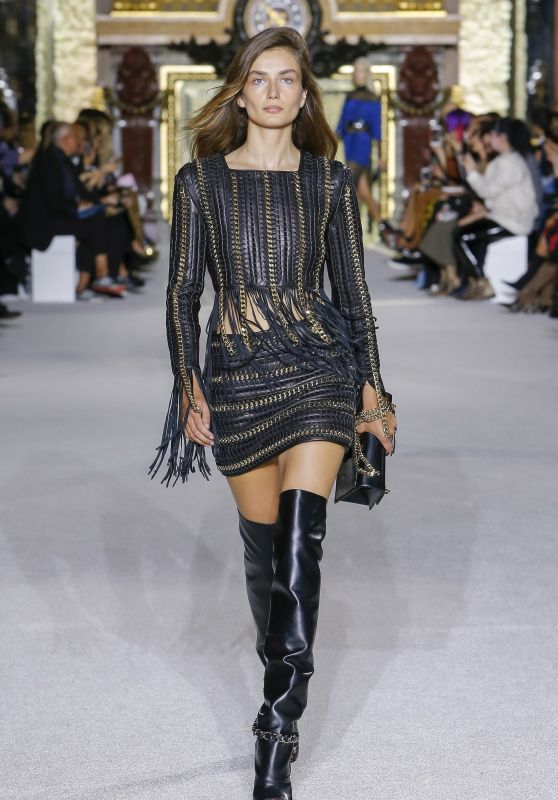 ANDREA DIACONU at Balmain Spring/Summer 2018 Fashion Show