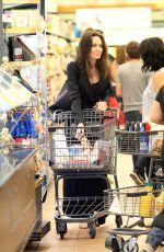 ANGELINA JOLE Shopping Grocery in Los Feliz 09/24/2017