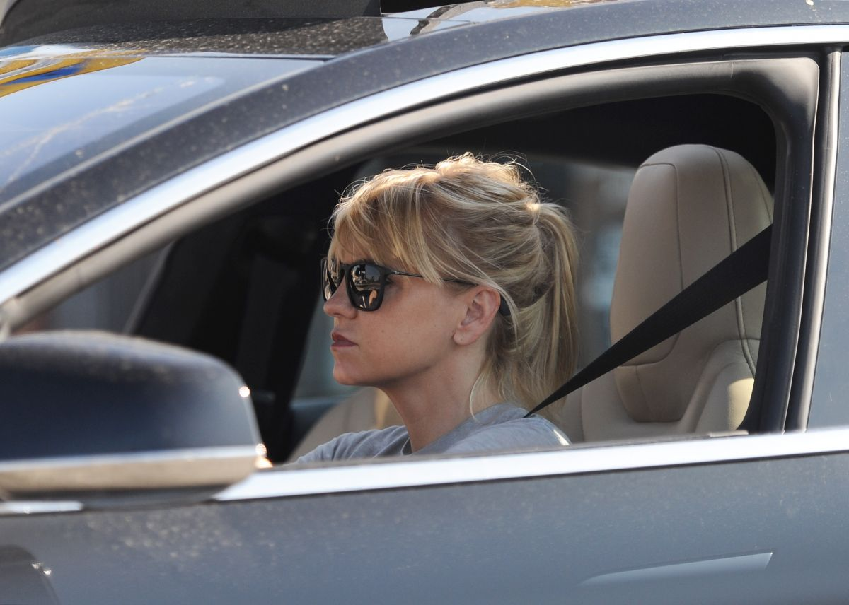 ANNA FARIS Emerges for...