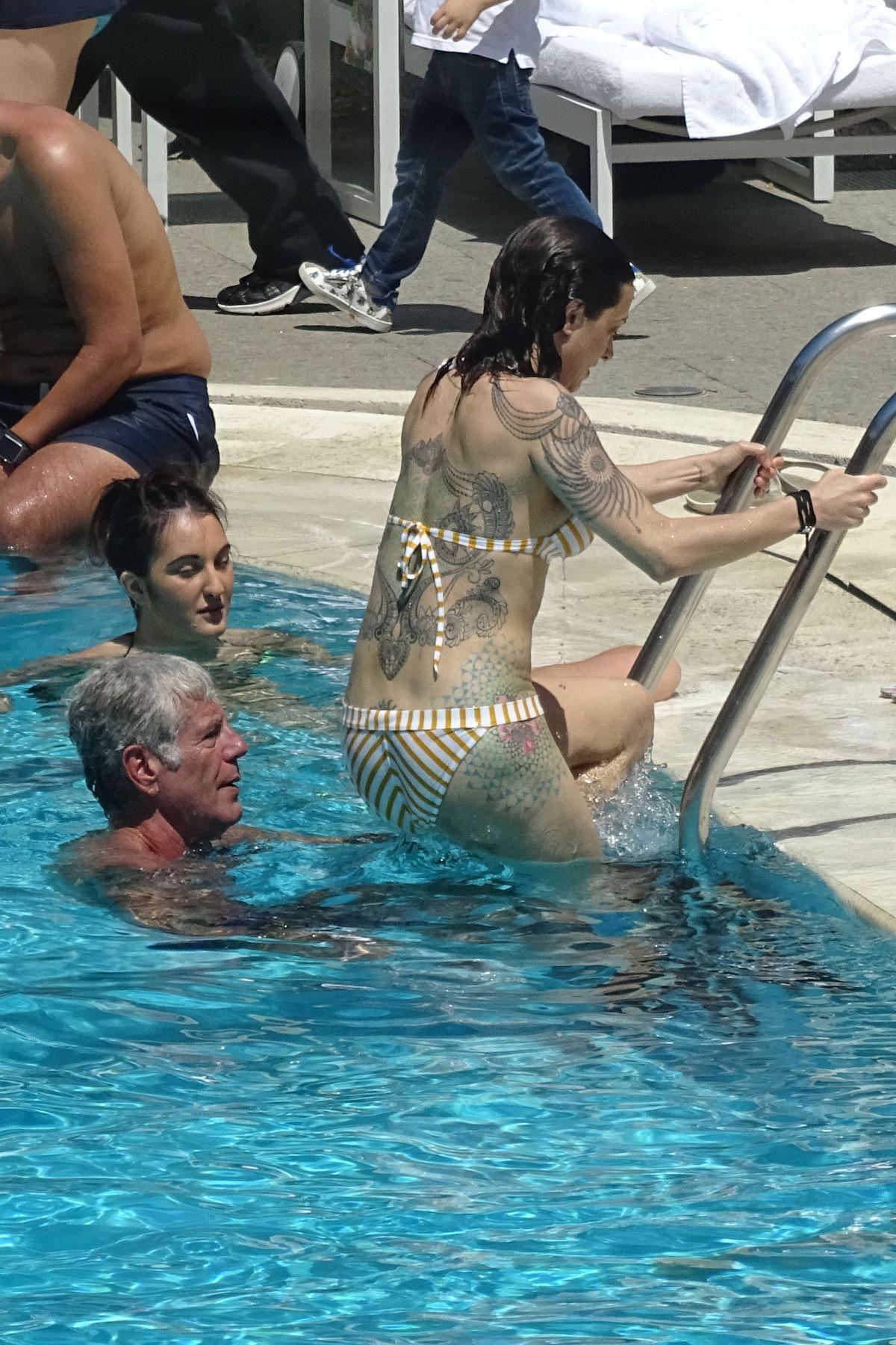 Bikini Asia Argento nude (42 photo), Tits, Sideboobs, Instagram, panties 2006