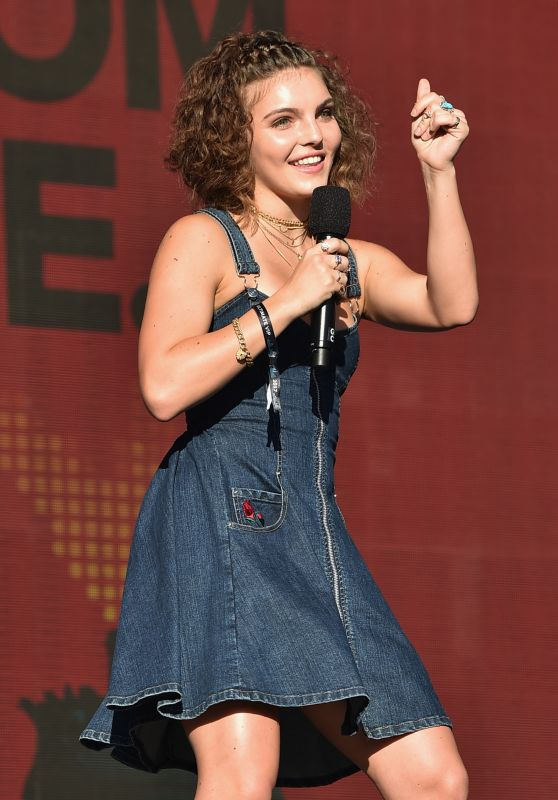 CAMREN BICONDOVA Speaks at Global Citizen Festival in New York 09/23/2017