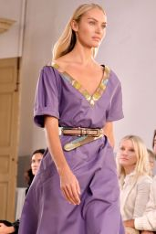 CANDICE SWANEPOEL at Bottega Veneta Fashion Show at Milan Fashion Week