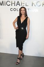 CATHERINEi ZETA JONES at Mchael Kors Fashion Show,at 2018 NYFW in New York 09/13/2017 |
