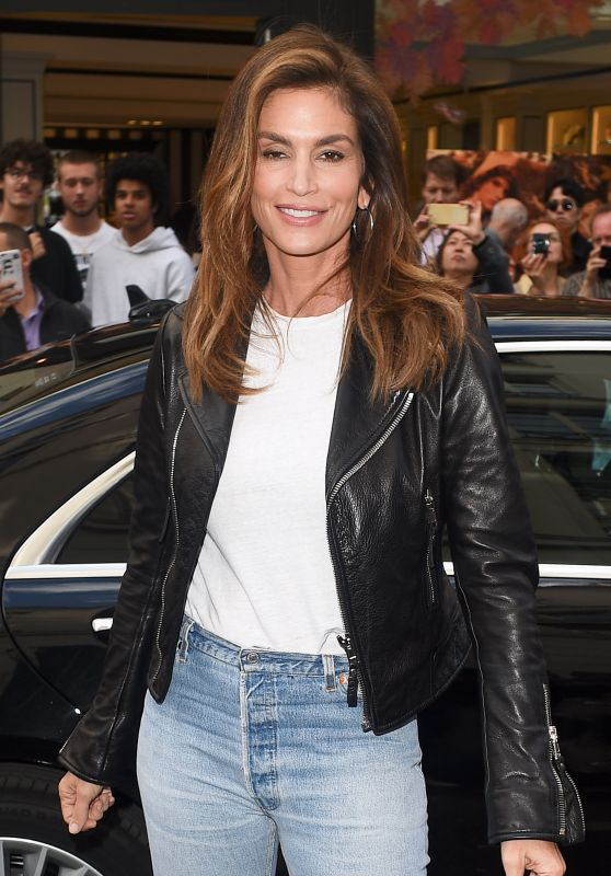 CINDY CRAWFORD Arrives at Colettes Book Store in Paris 09/30/2017
