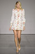 DEVON WINDSOR at Zimmermann Fashion Show