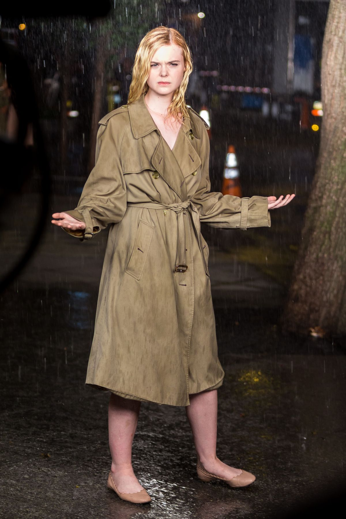 ELLE FANNING Fashes He...