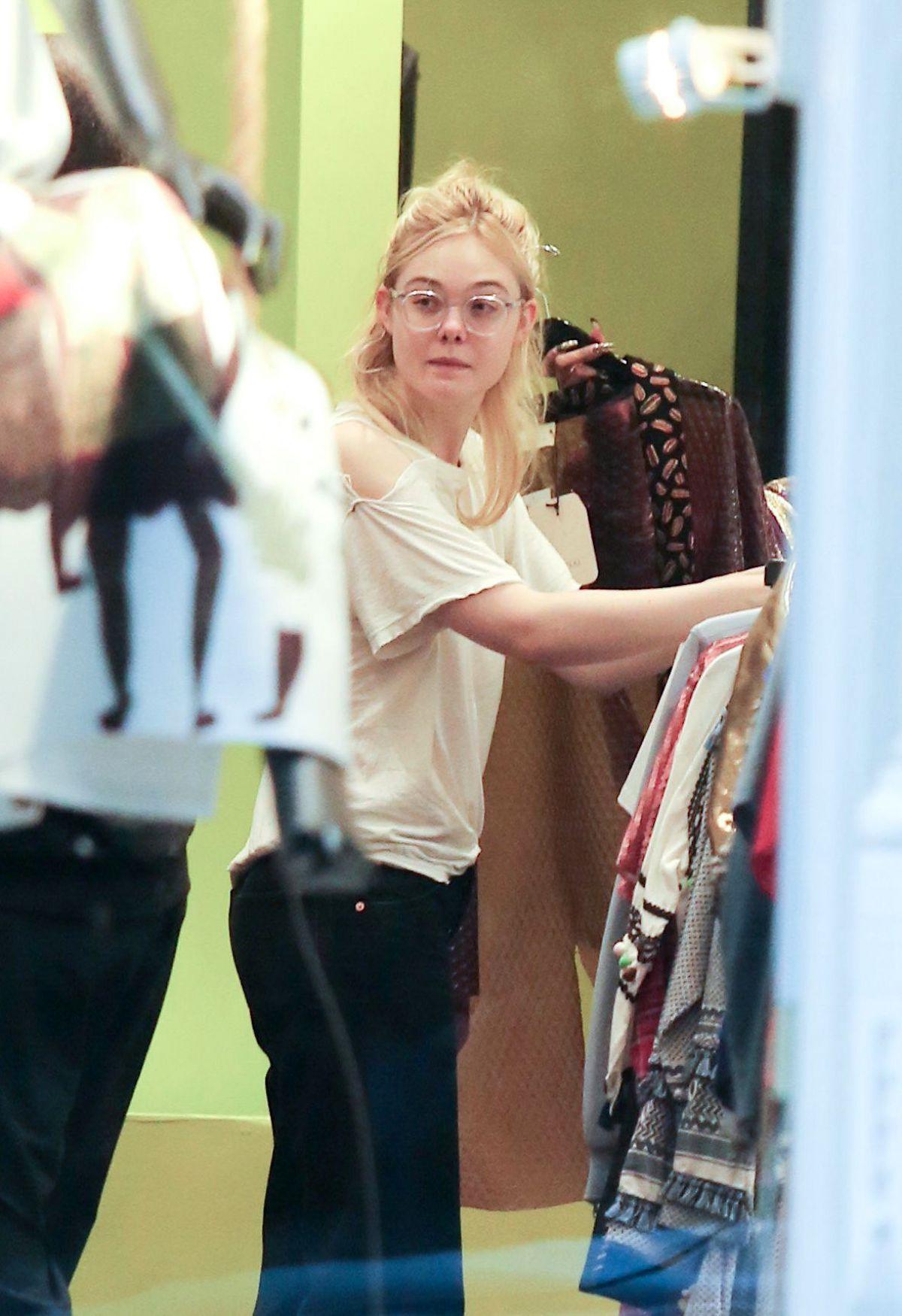 ELLE FANNING Shopping in New York 09/03/2017