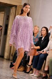 EMILY RATAJKOWSKI at Bottega Veneta Fashion Show in Milan 09/23/2017