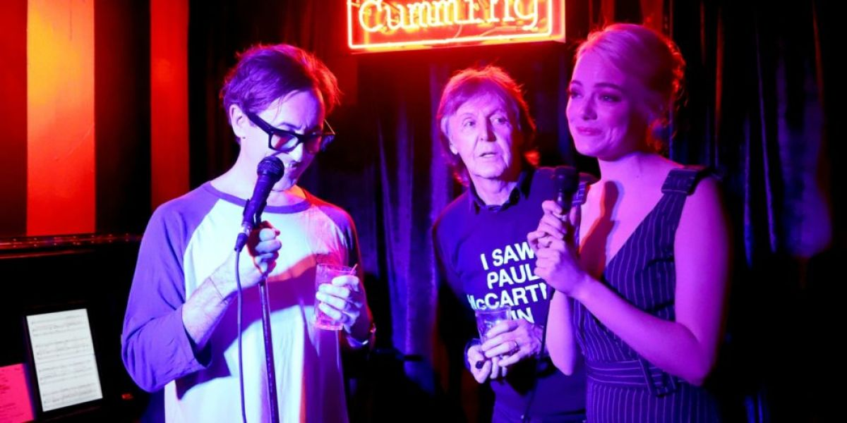 EMMA STONE Singing with Paul McCartney at Club Cumming in New York 09/21/2017