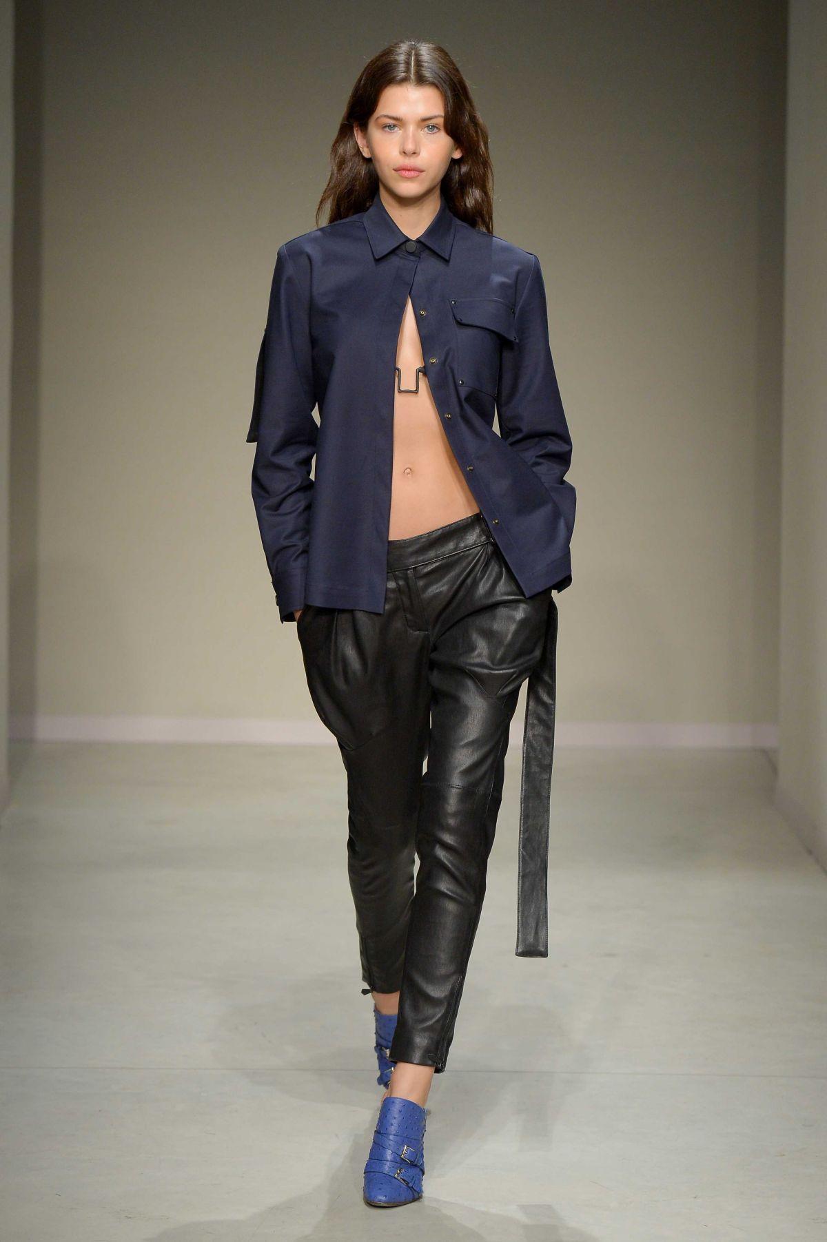 Georgia Fowler stuns crowds at Milan Fashion Week