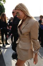 HAILEY BALDWIN Arrives at Missoni Fashion Show in Milan 09/23/2017