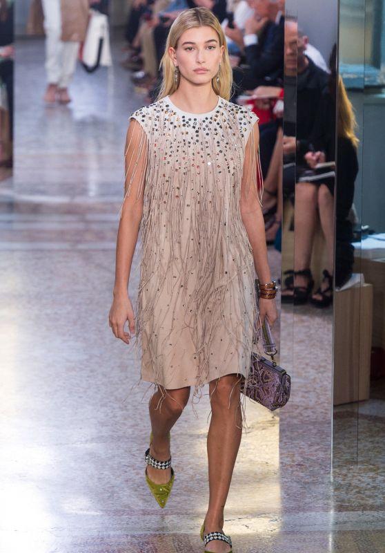 HAILEY BALDWIN at Bottega Veneta Fashion Show at Milan Fashion Week