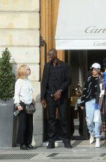 HAILEY BALDWIN Shopping at Cartier in Paris 09/27/2017