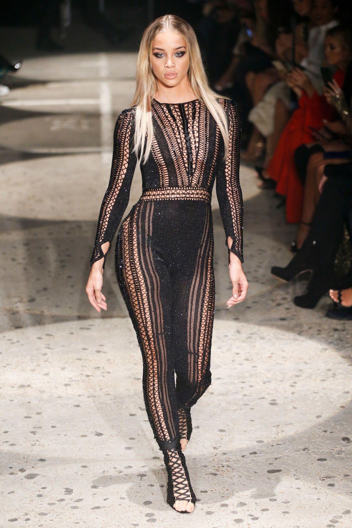 JASMINE SANDERS at Julien MaCdonald Fashion Show at London Fashion Week 09/18/2017