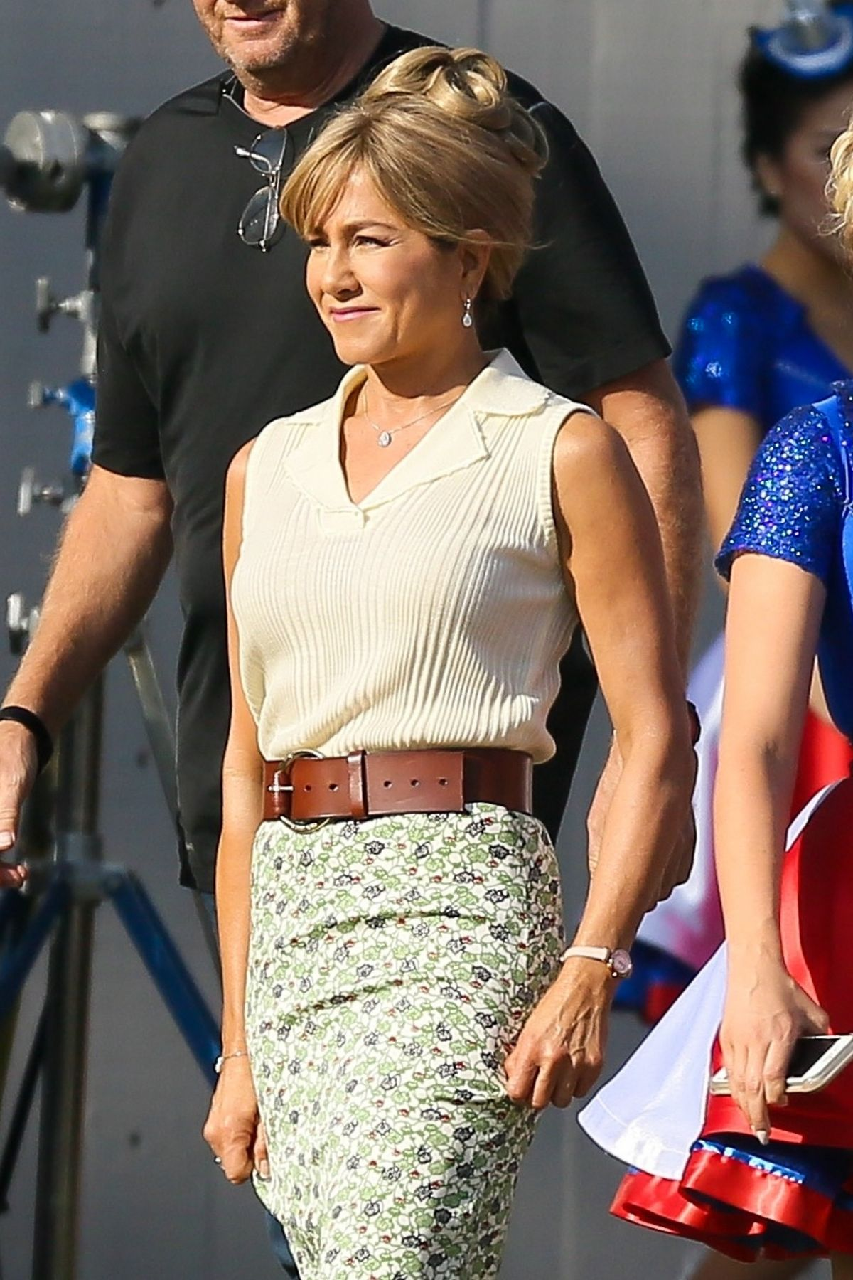 JENNIFER ANISTON on the Set of Dumplin in Atlanta 09/20/2017